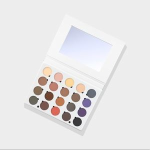 Ofra Cosmetics Must Have Mattes Palette